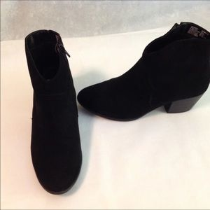 Black Booties sz 8